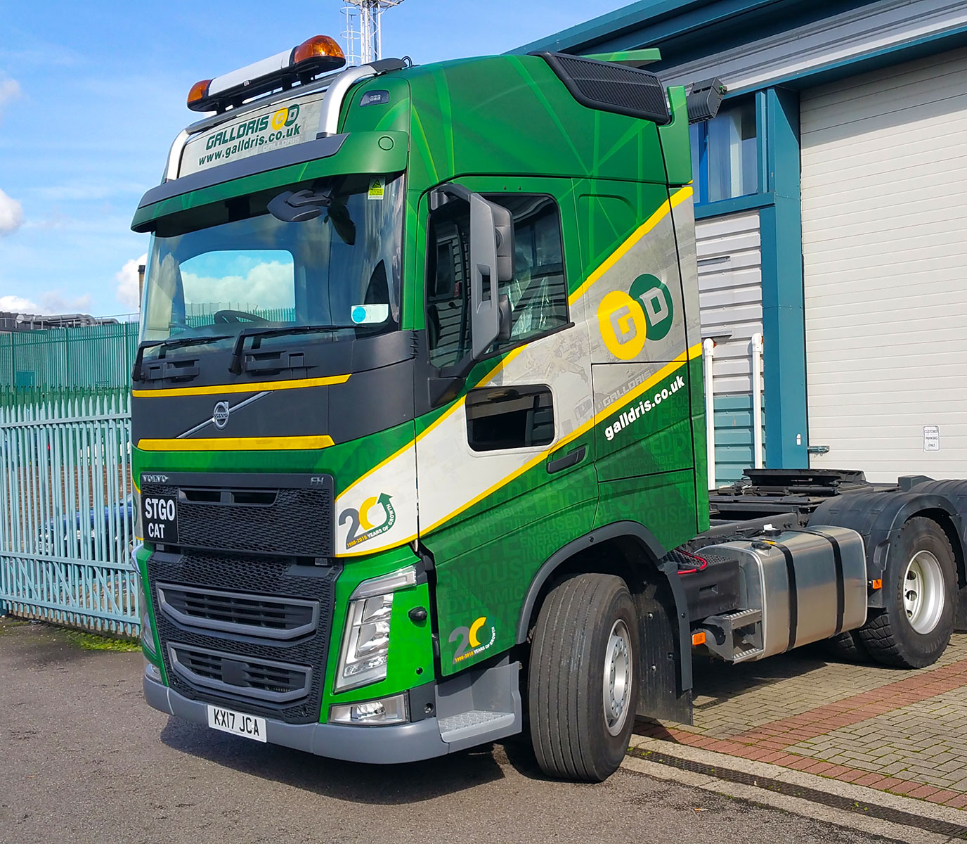 Galldris Construction Volvo Globetrotter wrap
